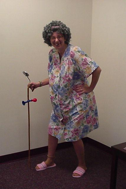 Granny Dress Up 94